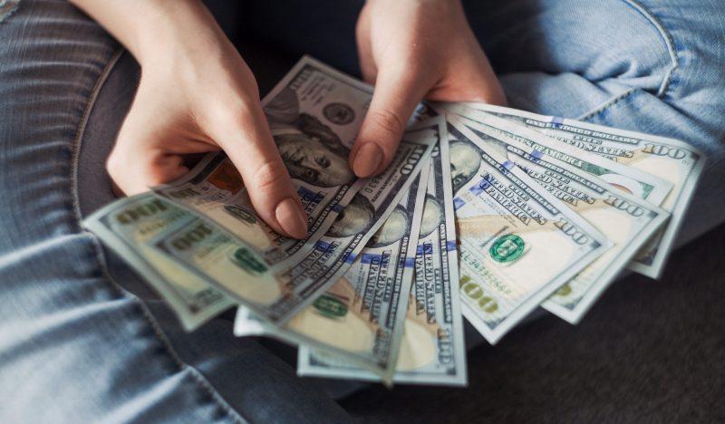 Renda extra online em época de crise (sem sair de casa) 5 formas